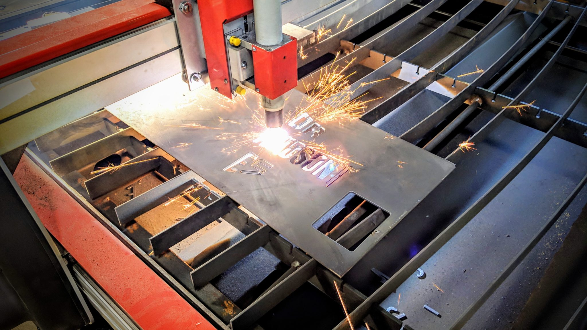 Ble.CH Messe Bern demonstration of the Swift-Cut machine cutting the metal with sparks